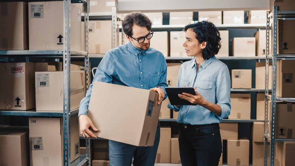 Deskless employees doing inventory checklist